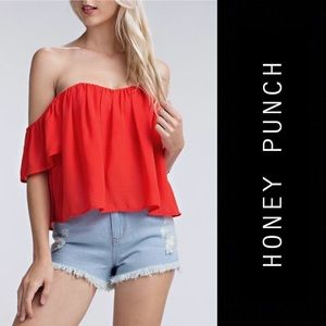 honey punch Chic off the shoulder top in WHITE